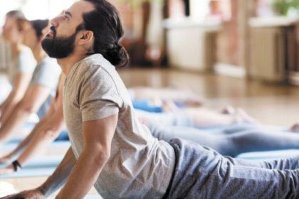 Tarek William Saab - yoga para hombres